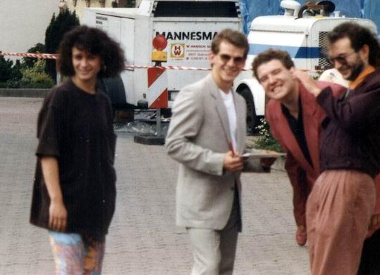 http://www.fordpflanzen.de/bilder/rolf/1991-KellAmSee/hochzeit-besuch3.jpg