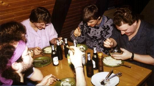 http://www.fordpflanzen.de/bilder/rolf/1992/Tennenbronn/seite13-essen.jpg