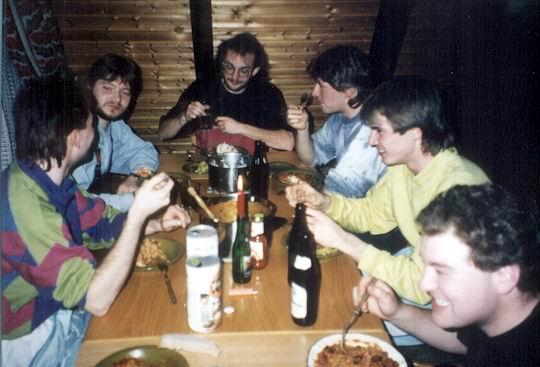 http://www.fordpflanzen.de/bilder/rolf/1992/Tennenbronn/seite14-essen.jpg