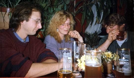 http://www.fordpflanzen.de/bilder/rolf/1992/Weihnachtstreffen/seite04-silvi+co.jpg