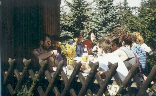 http://www.fordpflanzen.de/bilder/rolf/1993-Hirzenhain/seite03-fruehstueck3.jpg