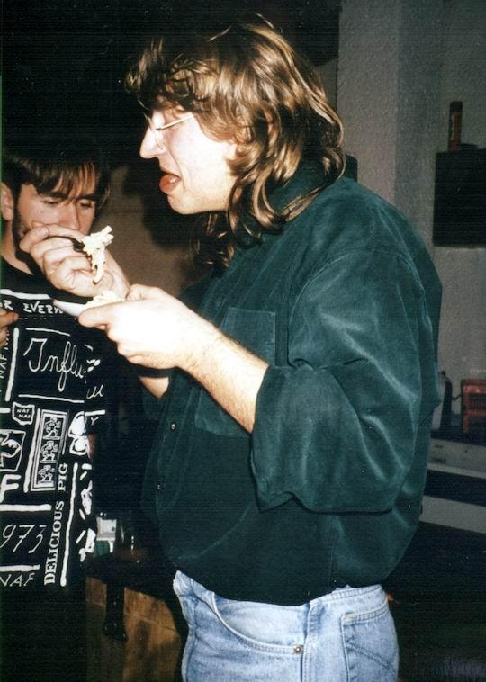 http://www.fordpflanzen.de/bilder/rolf/1994/NachtreffenBebelsheim/seite01-essen-juergen.jpg
