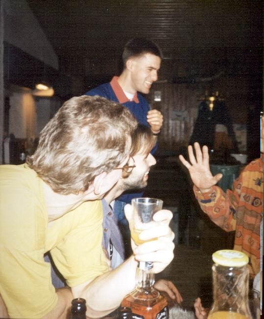 http://www.fordpflanzen.de/bilder/rolf/1994/NachtreffenBebelsheim/seite03-tisch.jpg