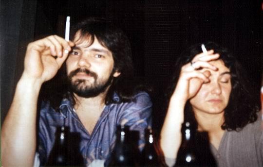 http://www.fordpflanzen.de/bilder/rolf/1994/NachtreffenBebelsheim/seite04-raucher.jpg