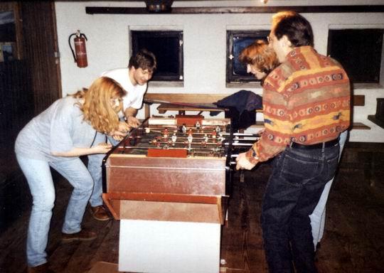 http://www.fordpflanzen.de/bilder/rolf/1994/NachtreffenBebelsheim/seite08-kicker2.jpg