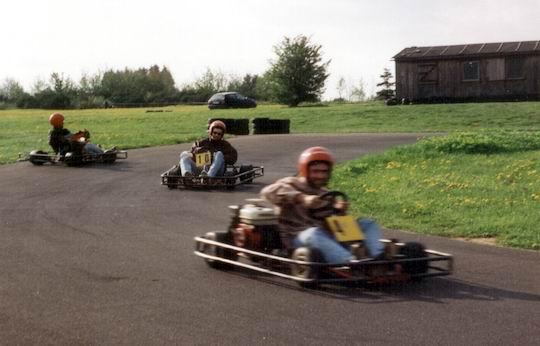 http://www.fordpflanzen.de/bilder/rolf/1994/Stadtkyll/seite05-rennen.jpg