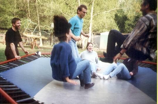 http://www.fordpflanzen.de/bilder/rolf/1996-Lac---KellAmSee/seite07-trampolin3.jpg