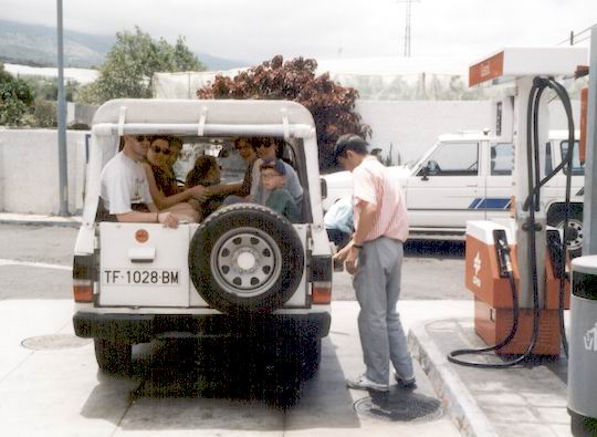 http://www.fordpflanzen.de/bilder/rolf/1998-LaPalma/seite05-jeep.jpg