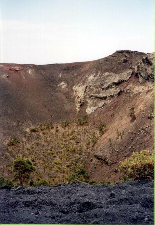 http://www.fordpflanzen.de/bilder/rolf/1998-LaPalma/seite05-krater.jpg