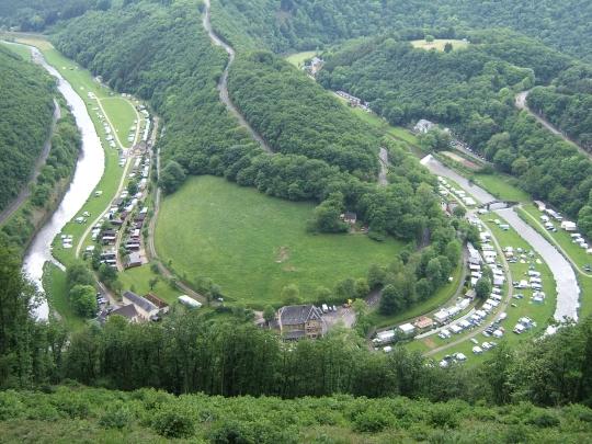 http://www.fordpflanzen.de/bilder/rolf/2007-Bourscheid/Schleife.JPG