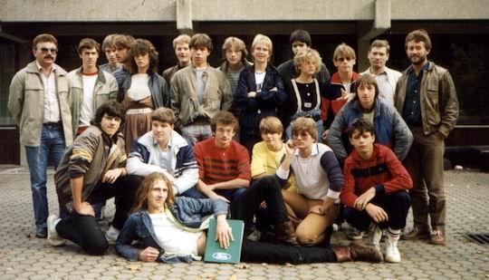 http://www.fordpflanzen.de/bilder/rolf/Ford-einzelbilder/1984-DerBeginn/gruppenbild.jpg