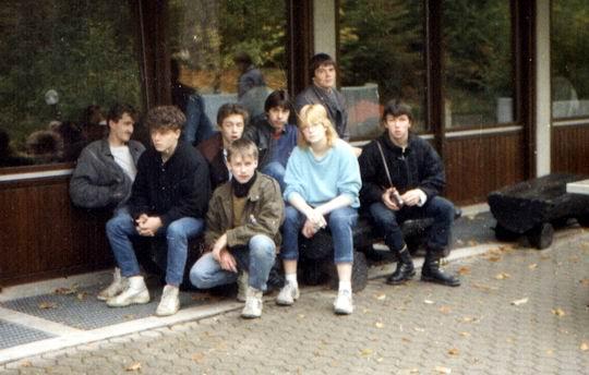 http://www.fordpflanzen.de/bilder/rolf/Ford-einzelbilder/1984-DerBeginn/seite01-gruppe.jpg