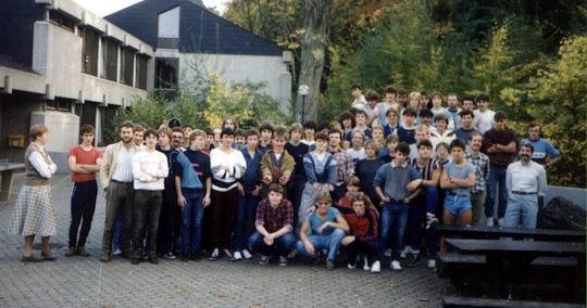 http://www.fordpflanzen.de/bilder/rolf/Ford-einzelbilder/1984-DerBeginn/seite02-oben.jpg