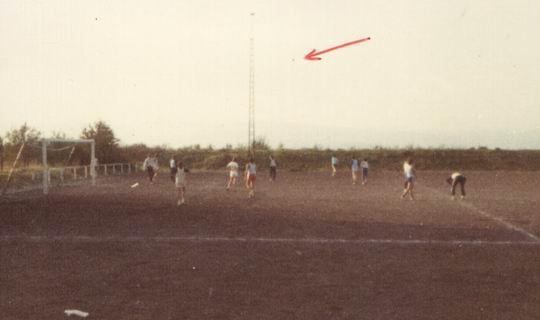 http://www.fordpflanzen.de/bilder/rolf/Ford-einzelbilder/1984-DerBeginn/seite07-fussball.jpg