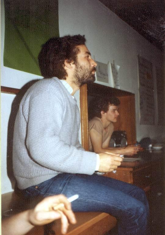 http://www.fordpflanzen.de/bilder/rolf/Ford-einzelbilder/1986/abw-seite04-zuschauer.jpg