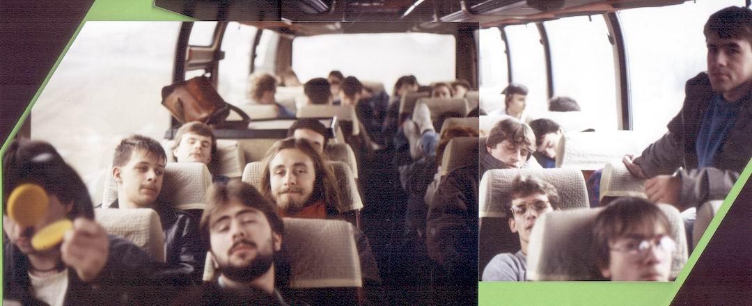 http://www.fordpflanzen.de/bilder/rolf/Ford-einzelbilder/1987/abw-seite01-bus-breit.jpg