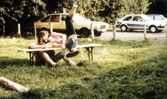 http://www.fordpflanzen.de/bilder/rolf/Ford-einzelbilder/1987/evf-seite01-fallengespann.jpg