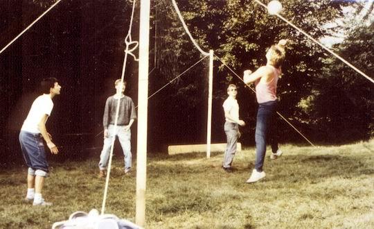 http://www.fordpflanzen.de/bilder/rolf/Ford-einzelbilder/1987/evf-seite02-sprung2.jpg