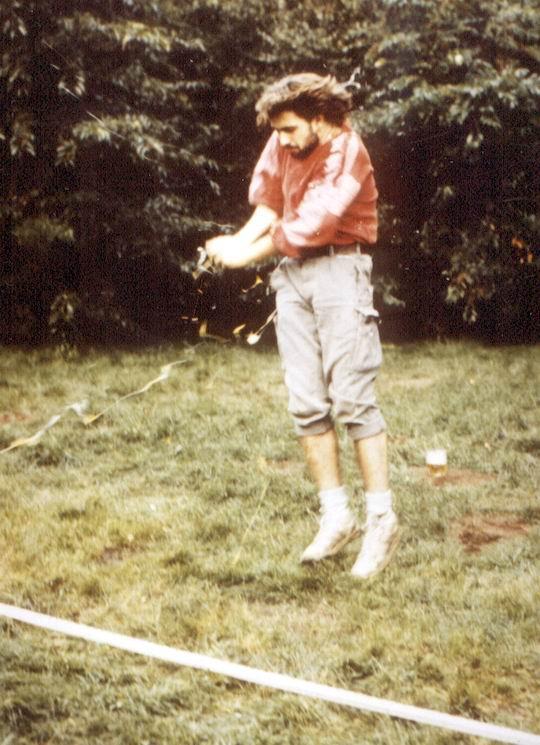 http://www.fordpflanzen.de/bilder/rolf/Ford-einzelbilder/1987/evf-seite03-ei2.jpg
