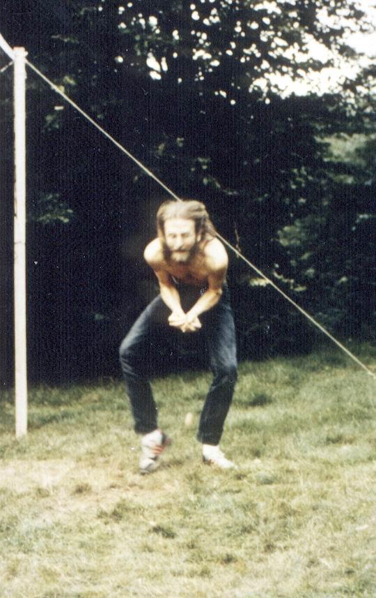 http://www.fordpflanzen.de/bilder/rolf/Ford-einzelbilder/1987/evf-seite03-ei3.jpg