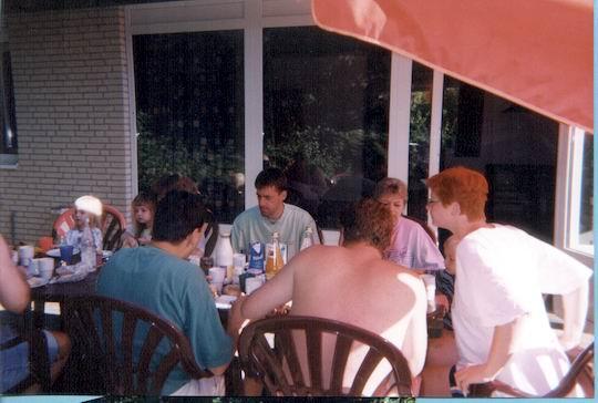 http://www.fordpflanzen.de/bilder/rolf/Ford-einzelbilder/1999-Leiwen/seite01-draussen.jpg