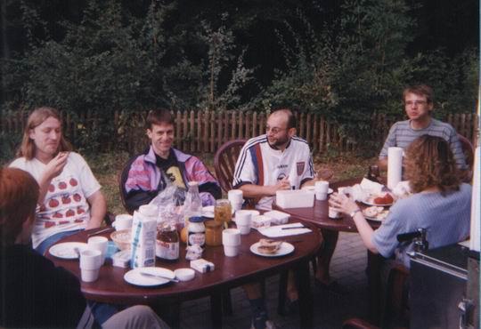http://www.fordpflanzen.de/bilder/rolf/Ford-einzelbilder/1999-Leiwen/seite01-draussen3.jpg