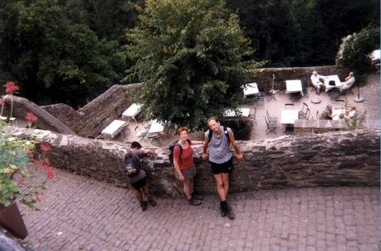 http://www.fordpflanzen.de/bilder/rolf/Ford-einzelbilder/1999-Leiwen/seite09-silvi+co.jpg