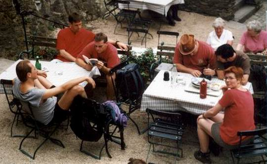 http://www.fordpflanzen.de/bilder/rolf/Ford-einzelbilder/1999-Leiwen/seite10-gruppe+.jpg