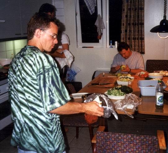 http://www.fordpflanzen.de/bilder/rolf/Ford-einzelbilder/1999-Leiwen/seite13-kochen.jpg