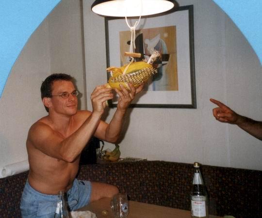 http://www.fordpflanzen.de/bilder/rolf/Ford-einzelbilder/1999-Leiwen/seite18-flieg2.jpg
