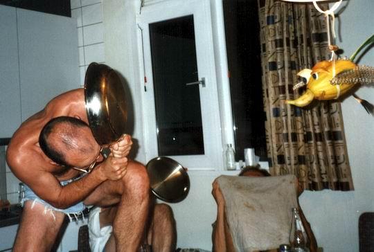 http://www.fordpflanzen.de/bilder/rolf/Ford-einzelbilder/1999-Leiwen/seite20-deckung.jpg
