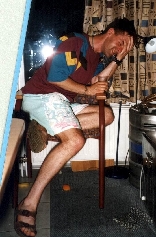 http://www.fordpflanzen.de/bilder/rolf/Ford-einzelbilder/1999-Leiwen/seite21-knaupi.jpg