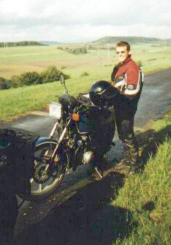 http://www.fordpflanzen.de/bilder/rolf/Ford-einzelbilder/2000-Neuheilenbach/rolf_moped.JPG