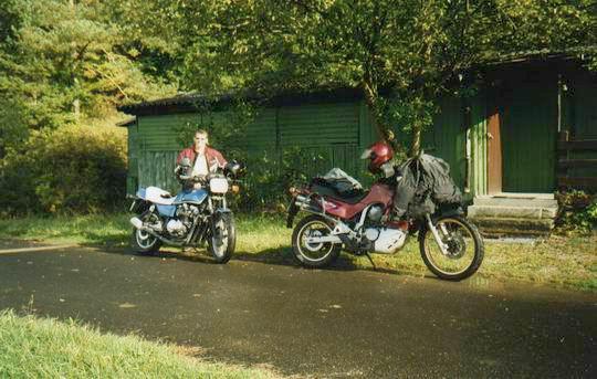 http://www.fordpflanzen.de/bilder/rolf/Ford-einzelbilder/2000-Neuheilenbach/rolf_mopeds.JPG