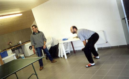http://www.fordpflanzen.de/bilder/rolf/Ford-einzelbilder/2000-Neuheilenbach/tischtennis.JPG