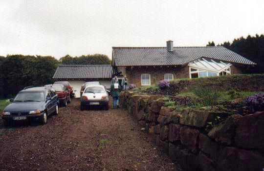 http://www.fordpflanzen.de/bilder/rolf/Ford-einzelbilder/2000-Neuheilenbach/villa.JPG