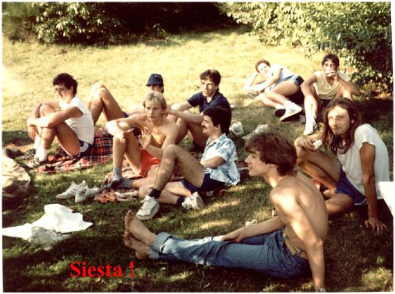 http://www.fordpflanzen.de/bilder/zottel/1985_ElektrikerVolksFest/volksfest85-6_.jpg